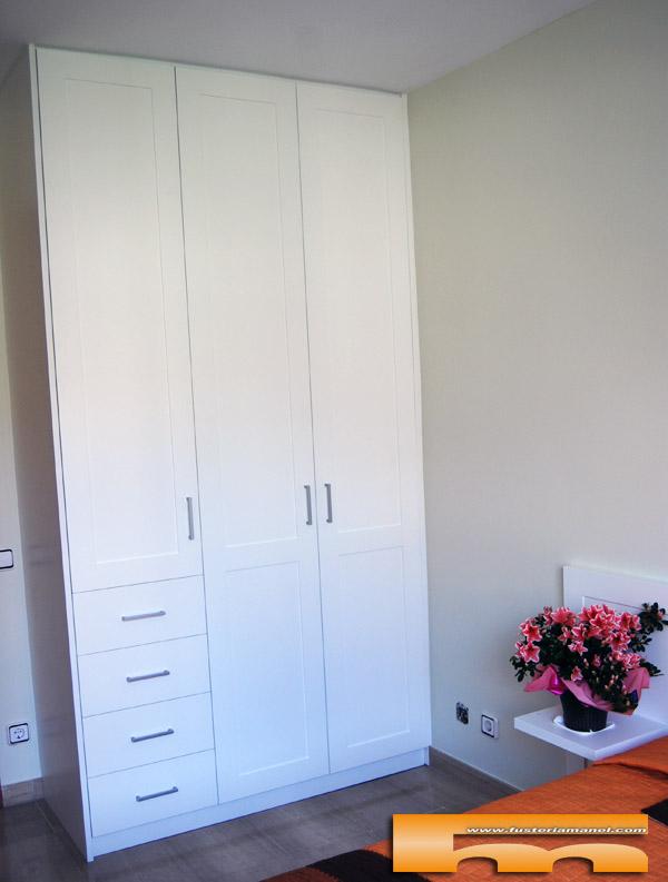 Armario a medida lacado columna rubi rosalia for Muebles rubi