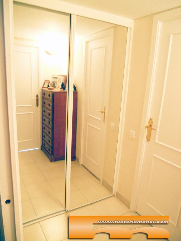 Armario a medida espejo barcelona javier - Armarios para pasillos ...