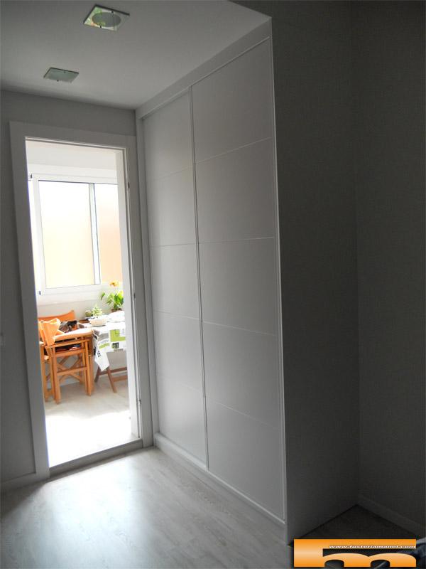 Armario a medida lacado puertas correderas barcelona - Armario a medida ...