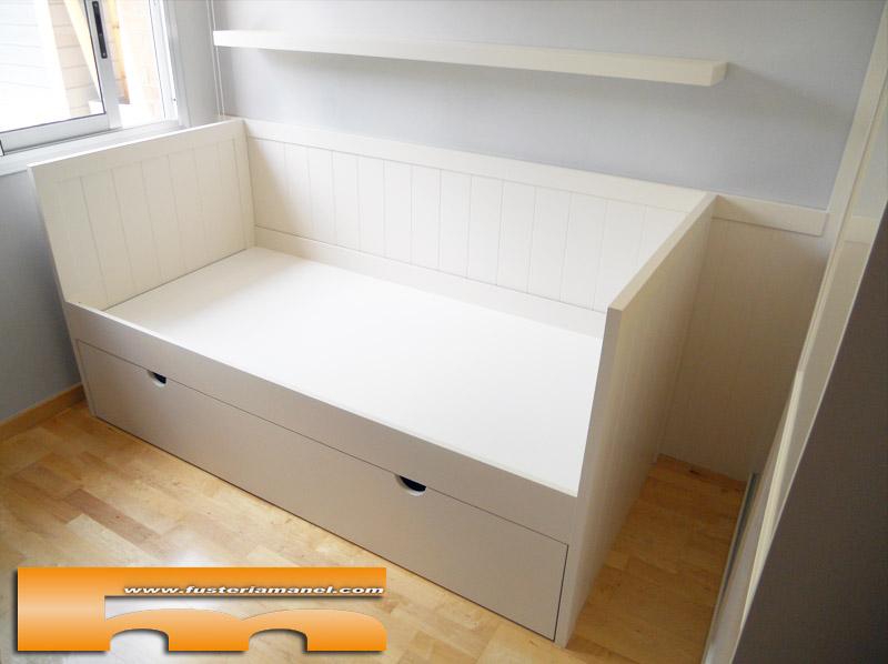 Cama nido tipo sof con arrimadero lacado a medida for Cama individual tipo sofa