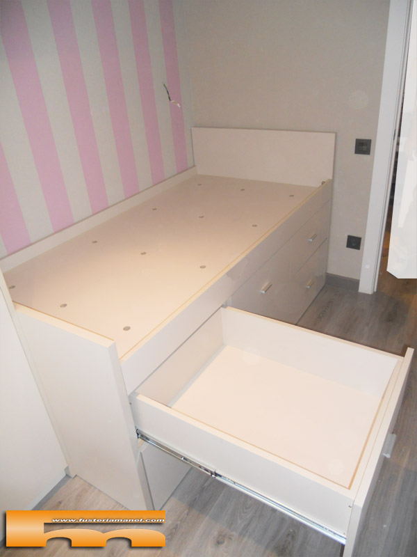 Cama compacta nido doble con armario y escritorio for Cama juvenil con cajones