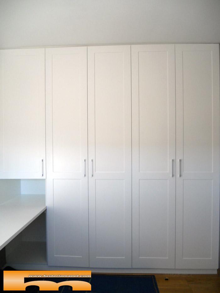 Armario a medida lacado con moldura para habitaci n - Armarios para habitacion ...