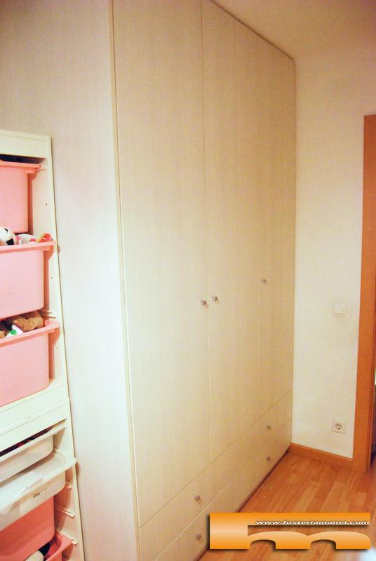 Habitaci n infantil armario y cama compacta triple anna barcelona - Armario habitacion infantil ...