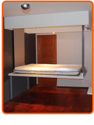 Cama alta camag espacios peque os for Cama oculta mueble