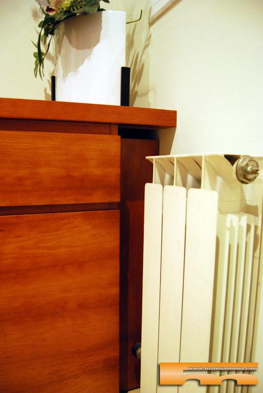 mueble-recibidor-a-medida-cerezo-tapa-radiador-rubi-barcelona-rosalia